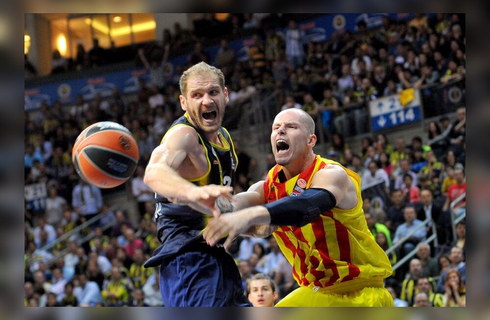 Barcelona mängija Maciej Lampe ja Fenerbahce Luka Zoric