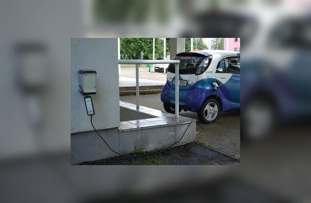 В начале октября в Нарве появятся устройства быстрой зарядки для электромобилей