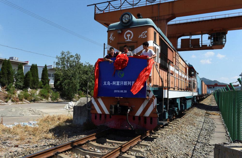 """Hiinast viib nüüd Londonisse rongiliin - sõit kestab """"ainult"""" 18 päeva!"""