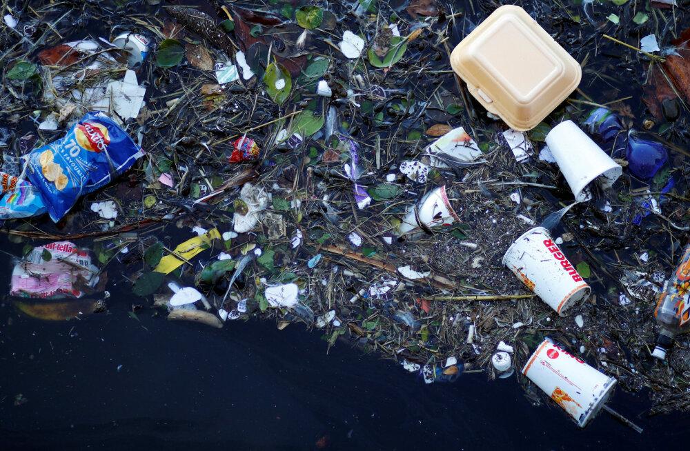Teadlased lõid lõpmatuseni taaskasutatava plastiku