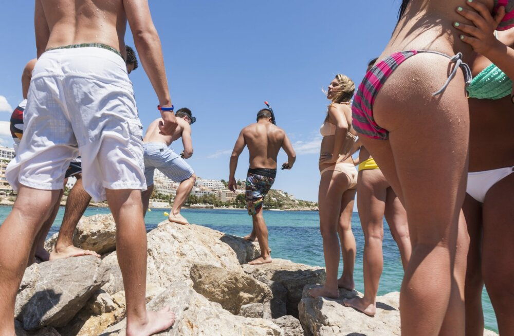 Безопасный отпуск: мифы о венерических болезнях