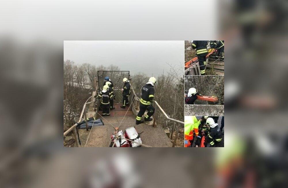Мужчина упал со смотровой площадки водопада Валасте