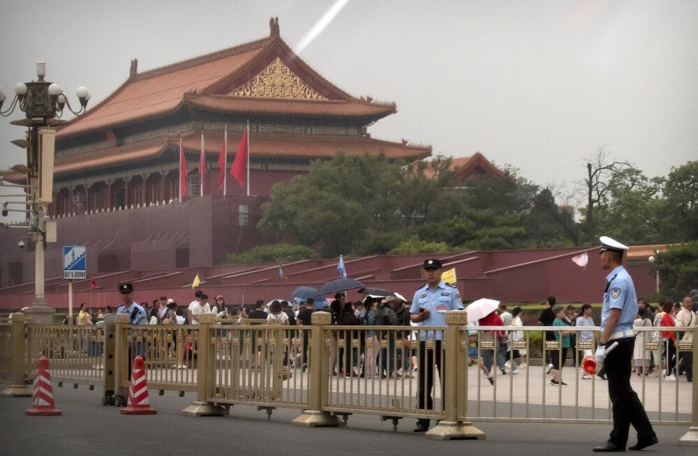 Hiinas valitsevad Tiananmeni meeleavalduse mahasurumise 30. aastapäeval vaikus ja karmid julgeolekumeetmed