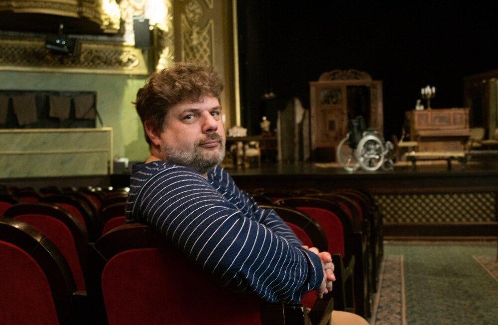Eesti Vene teatri kunstiline juht Filipp Los tegutseb selle nimel, et ka eestikeelne publik selle teatri üles leiaks.