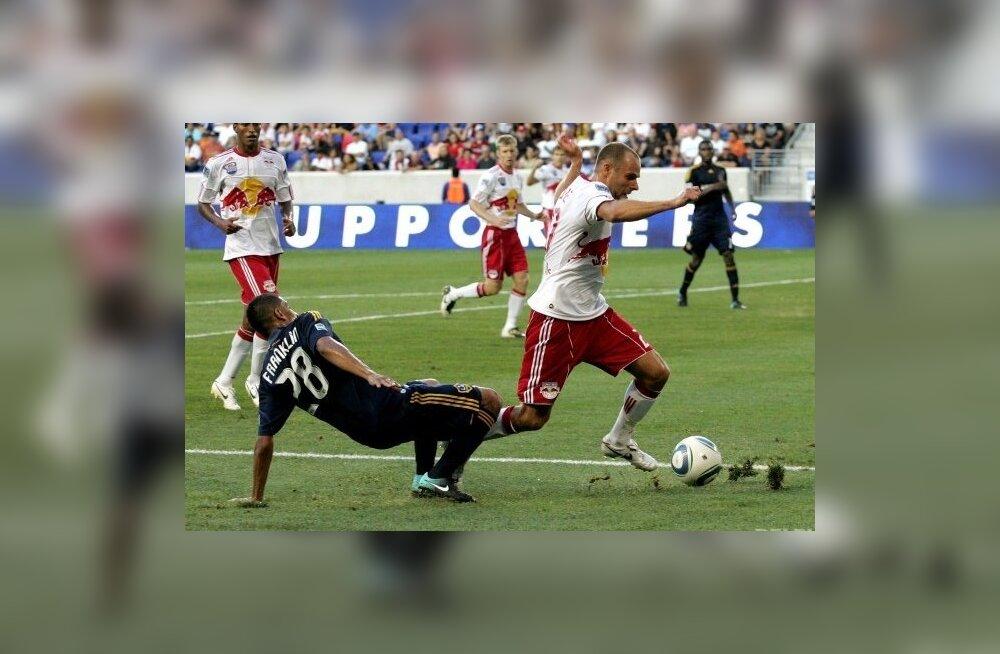 Joel Lindpere, jalgpall