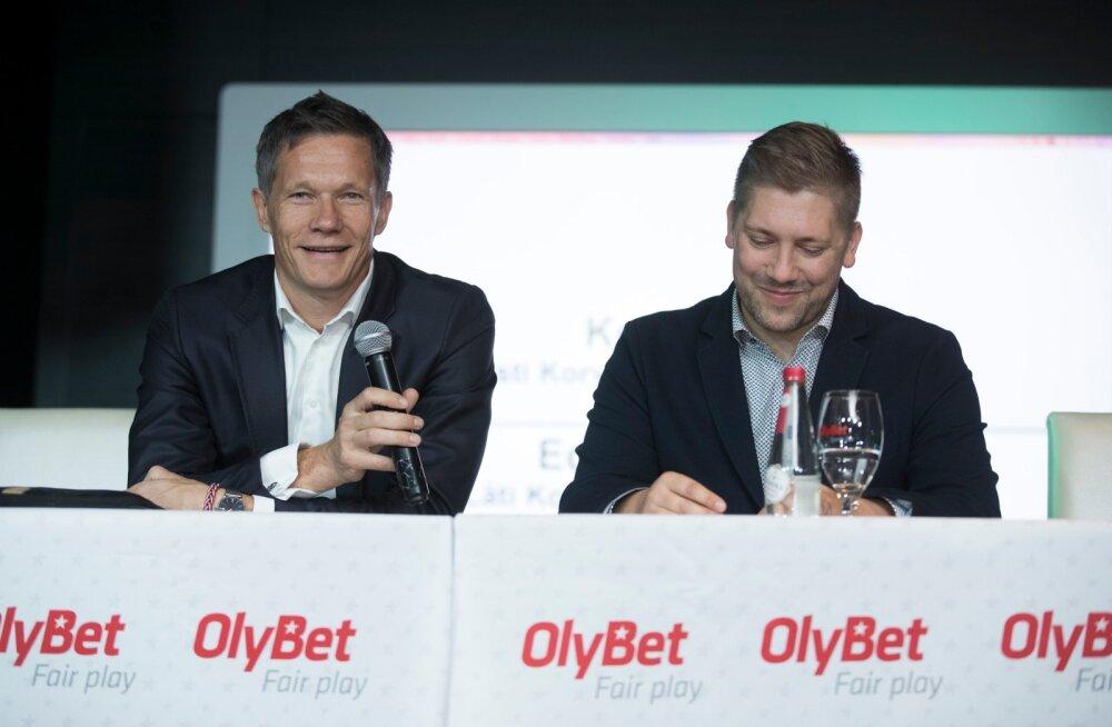 Läti korvpalliliidu peasekretär Edgars Šneps (vasakul) ja Eesti korvpalliliidu peasekretär Keio Kuhi võisid eile põhjusega naeratada. Uus liiga sai ametlikult loodud.