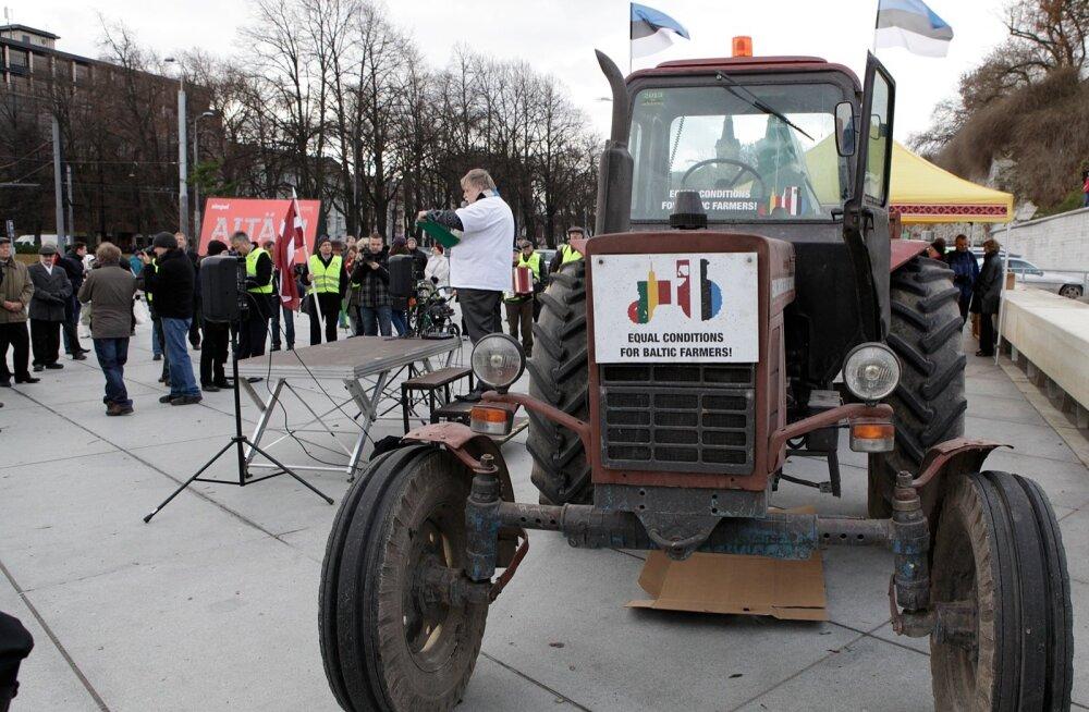 Põllumeeste miiting Tallinnas Vabaduse platsil, et saada võrdseid toetusi. Aasta oli 2012.