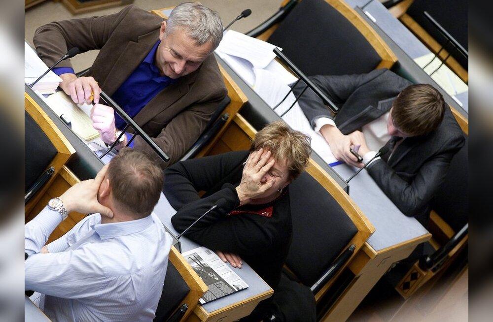 OTSE: Eilne riigikogu istung lõppes tänaseks, jätkub teisipäeval