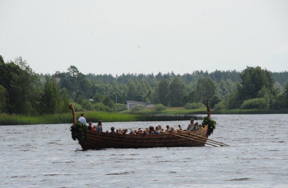 Viikingilaeva vettelaskmine Kiruvere muinaskülas