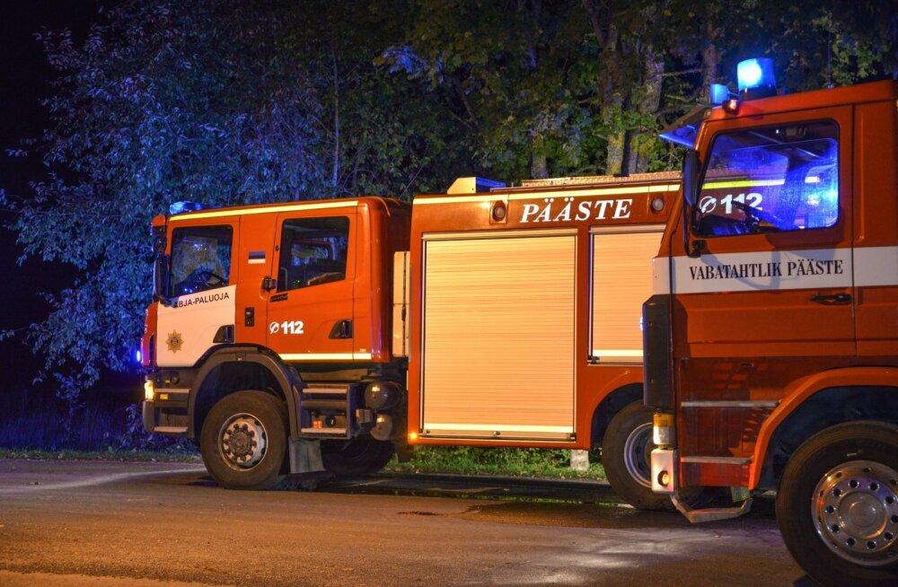 Viljandimaal põles mahajäetud maja