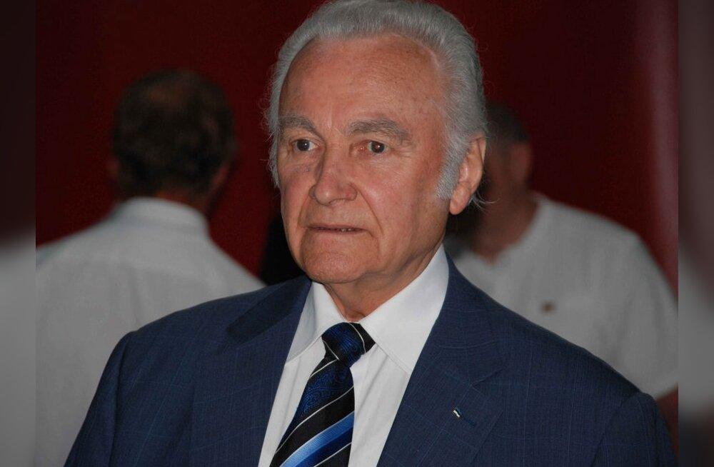 Arnold Rüütel astus Rahvaliidu juhatusest tagasi