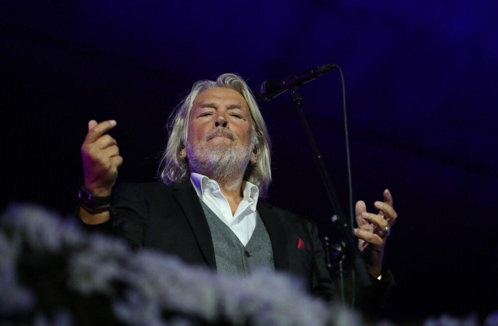 Tõnis Mägile jäi hinge kripeldama Üheslaulmise oodatust väiksem publik: suur ja väga kurb põhjus oli ikka see raha!