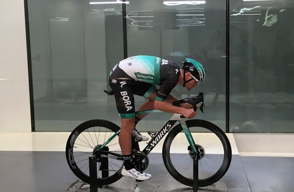 Bora-Hansgrohe sprinter Sam Bennett tuuletunnelis