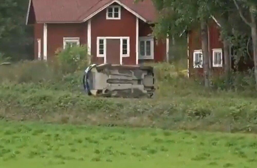 VIDEO | Soome rallisõitja keeras oma auto kummuli, järgnes eluohtlik olukord