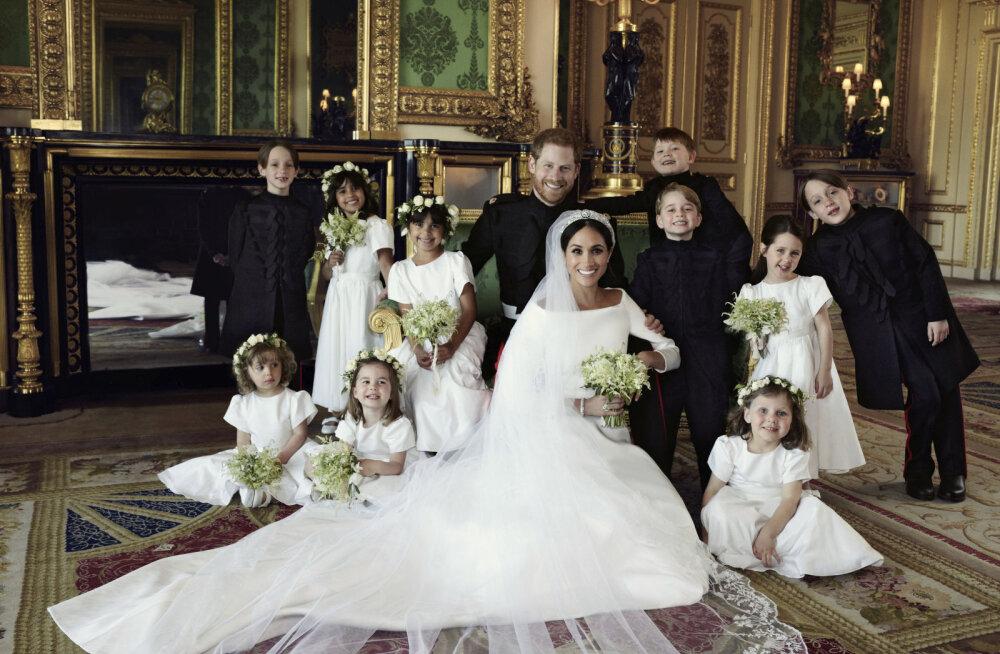 Tõde kuninglike fotode taga: loe, millise salakavala trikiga meelitati naeratama trobikond pahuraid kuninglikke võsukesi