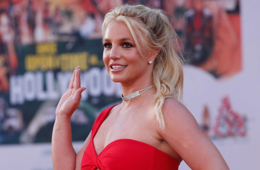 Kas Britney on taas hullumas? Laste hooldusõiguseid kaotav lauljatar on tundmatuseni muutunud