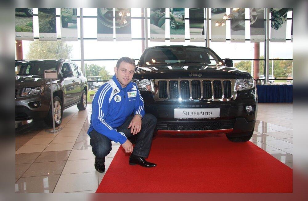 Olümpiasangar Heiki Nabi sai Silberautolt uhiuue Jeep Grand Cherokee