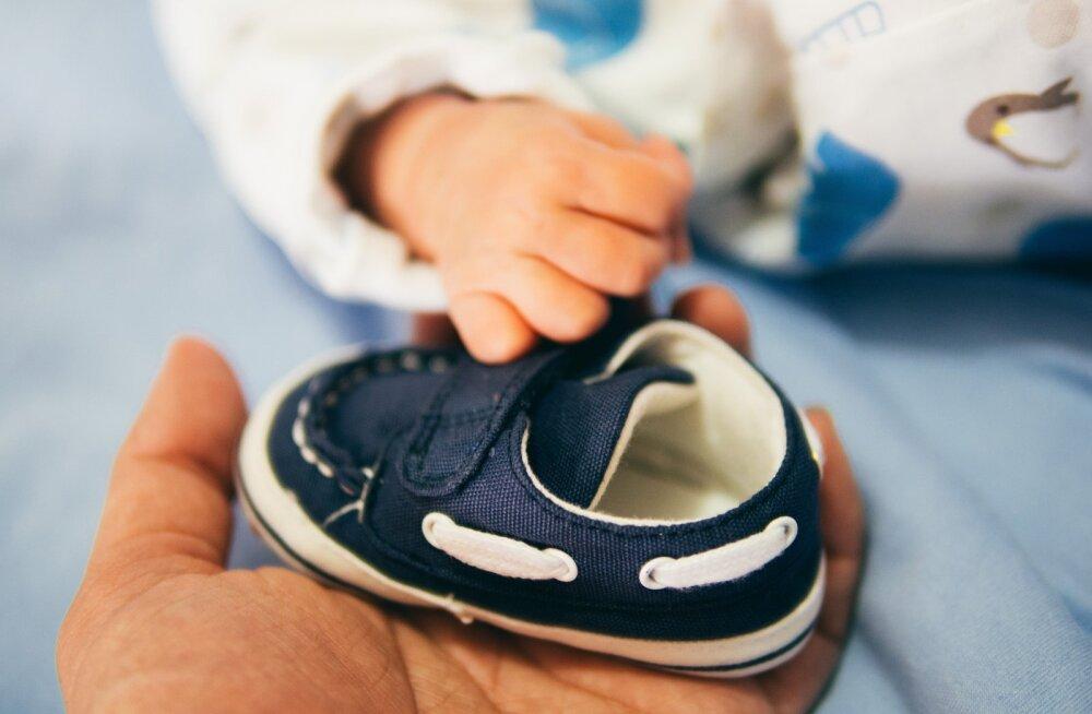 Vastsündinud lapse isa: minu beebi juurde ei tohi tulla ükski laps ega keegi, kes lõhnab parfüümi järele