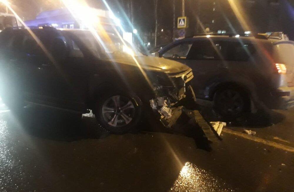 В страшном ДТП в Нижнем Новгороде погибла женщина и пострадали девять школьников. Подозреваемый задержан