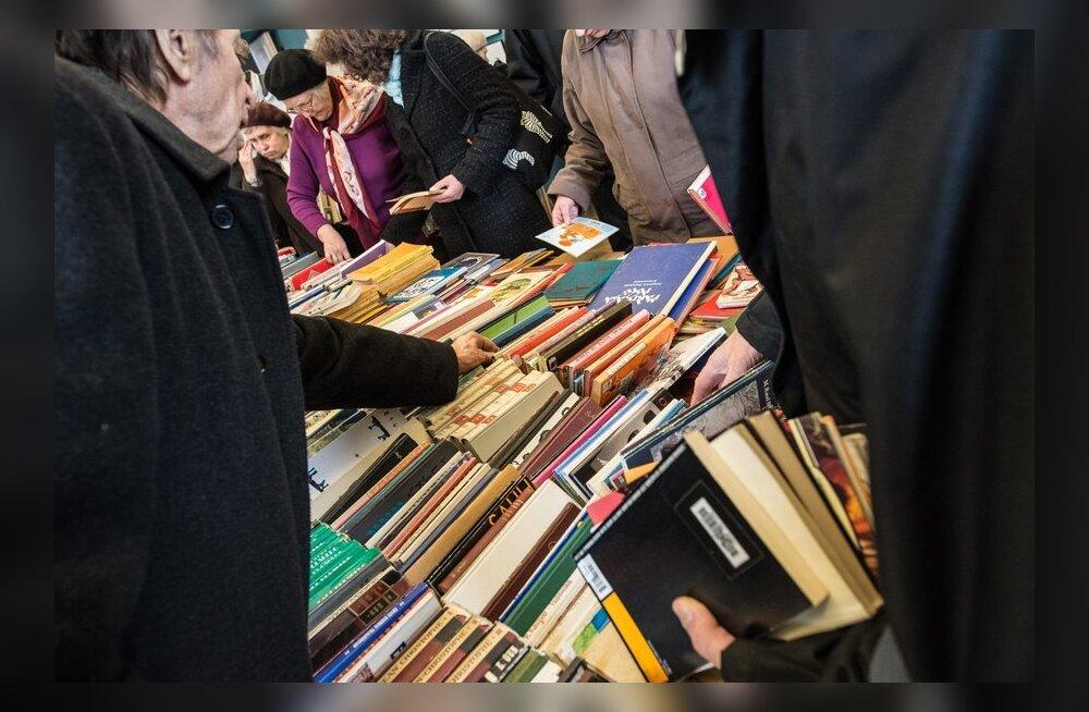 Maaraamatukogud ei poolda paberraamatute asendamist e-raamatutega