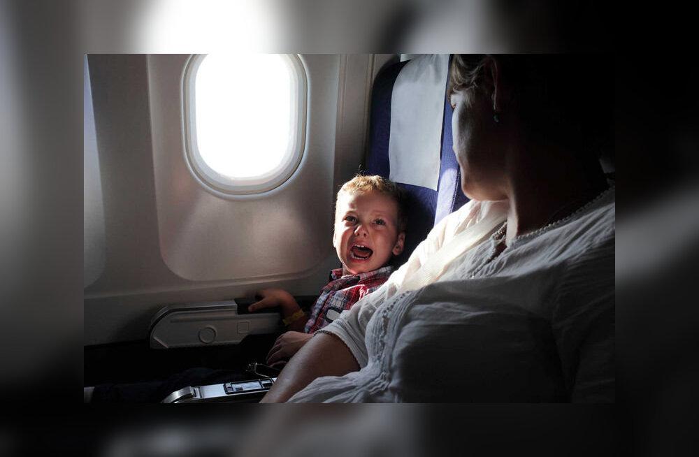 Индийская авиакомпания вводит запретные для детей зоны на борту