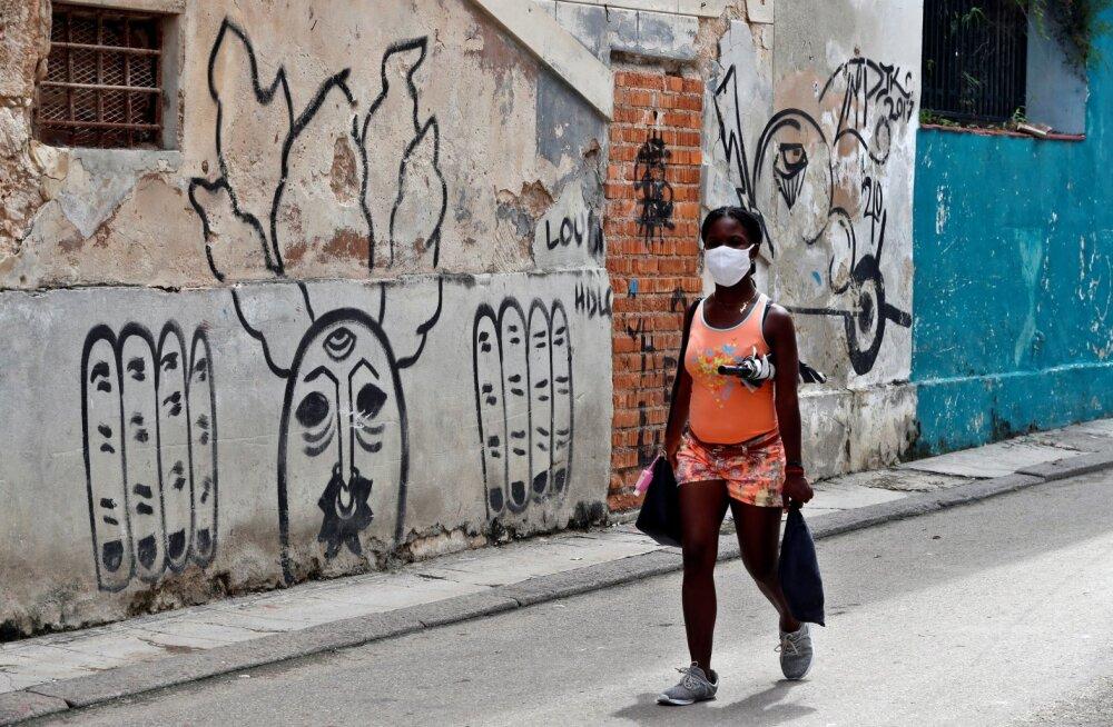 Havana tänavatel liiguvad ainult kohalikud.