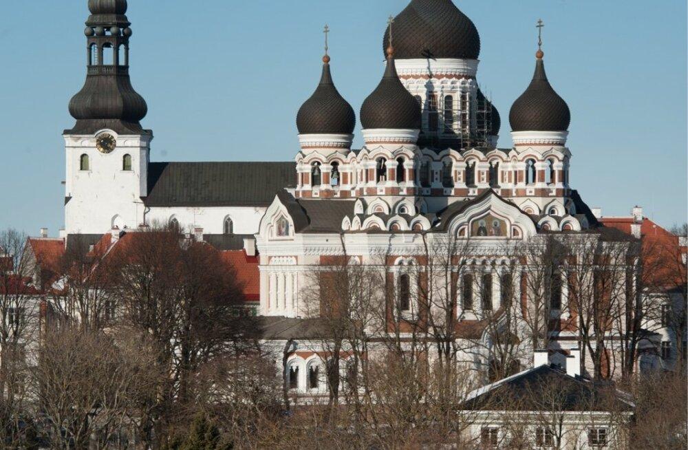 Aleksander Nevski katedraal ning Toomkirik.