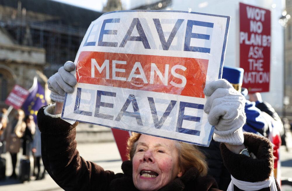 Uuring: iga kolmas Suurbritannia ettevõte kaalub Brexiti tõttu välismaale kolimist