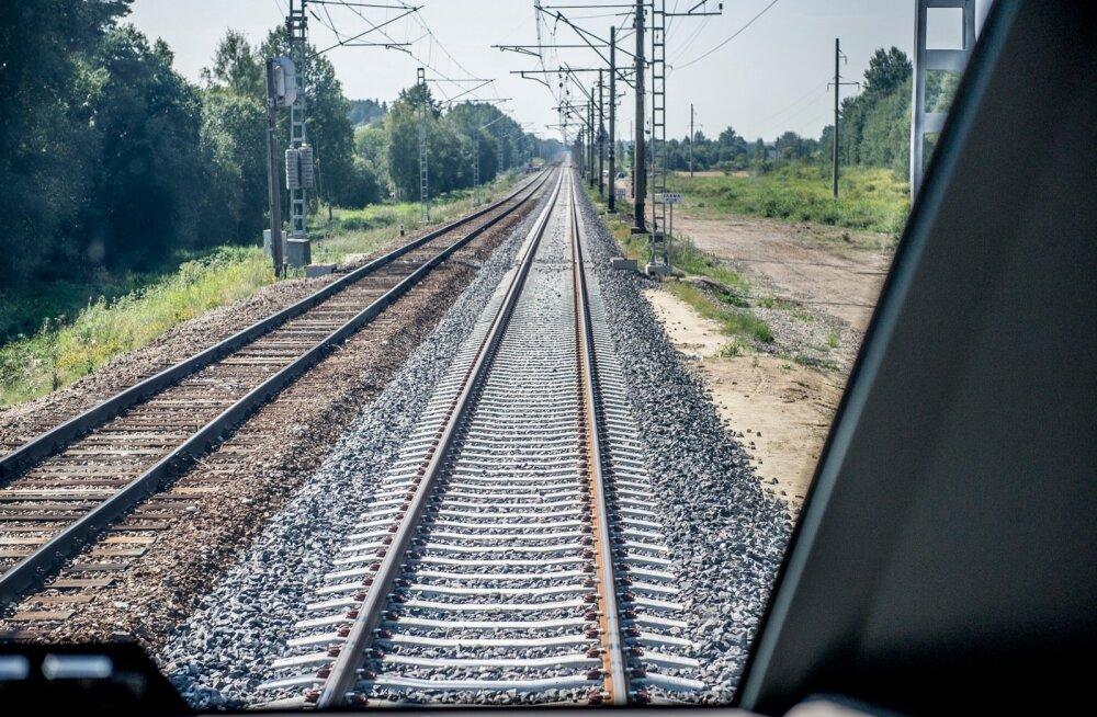 Бывший ревизор на железной дороге рассказал, зачем нужны были проверки и где проводники прятали зайцев