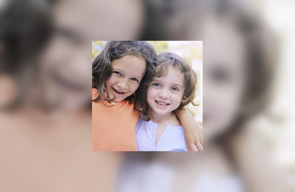 Rõõmsad lapsed kasvavad armastusega