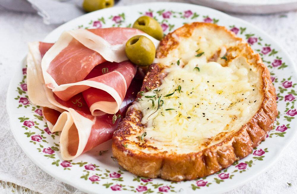 RETSEPT | Vaesed soolased rüütlid ehk laisa inimese pannkoogid kahe juustuga