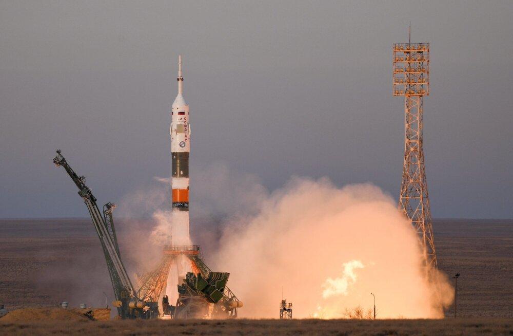 Jälle kosmosevõidujooks? Venelased teatasid, et plaanivad samuti inimesed Kuule saata
