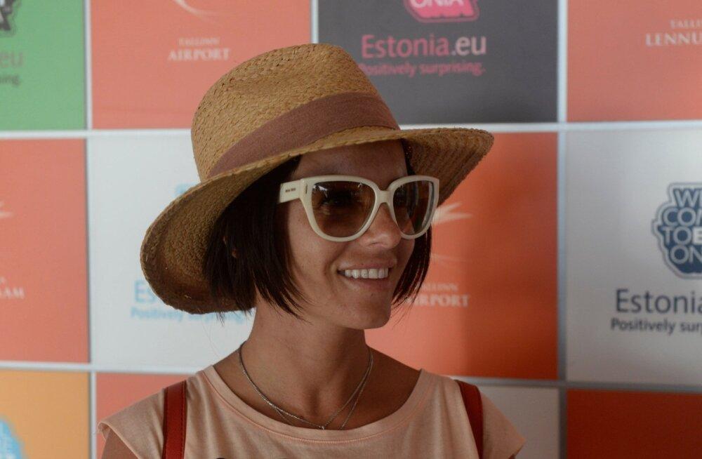 Julia Volkova Tallinna lennujaamas