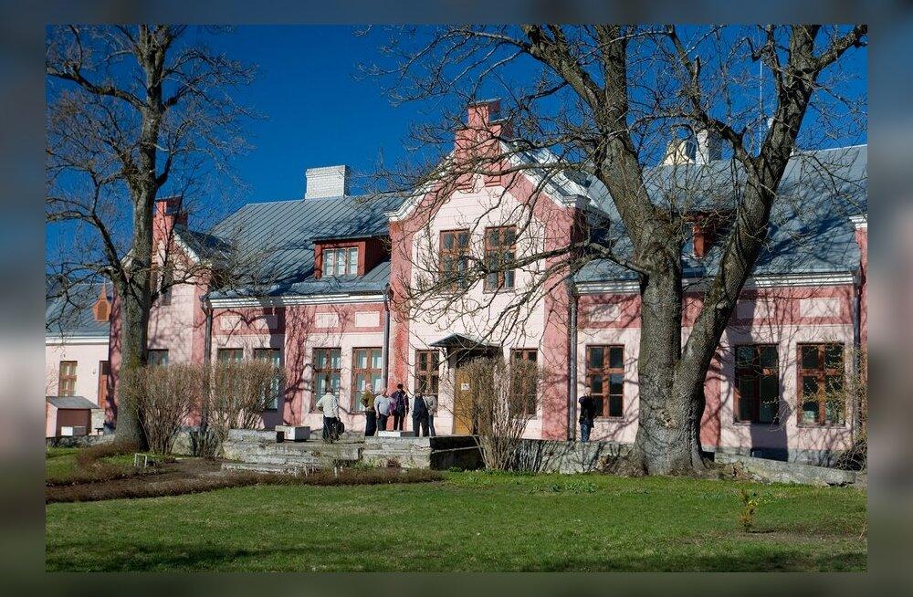 Viimsi mõisapark saab Johan ja Maria Laidoneri mälestusmärgi