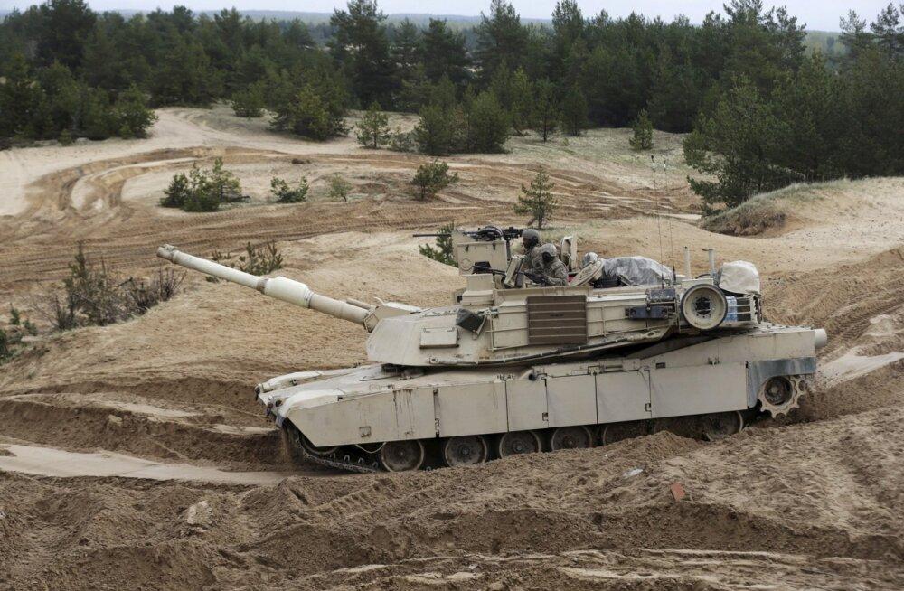 NYT: USA kavatseb Venemaa piiririikidesse ladustada kokku 1200 sõjamasinat, neist 250 tanki