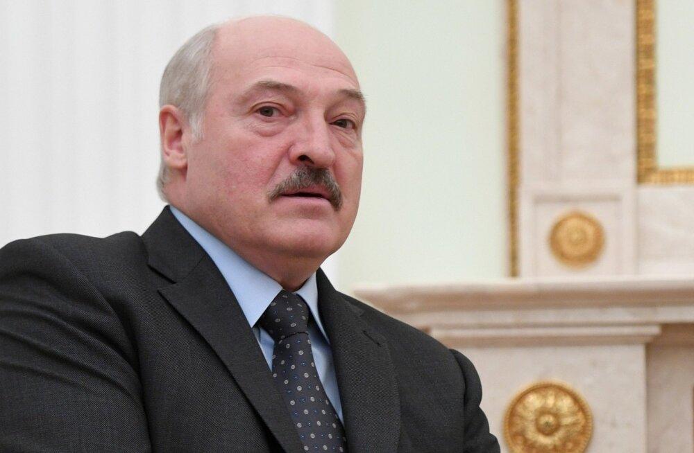 Lukašenka ähvardas Venemaad ainsa läänepoolse liitlase kaotamisega ja andis korralduse avada naftatarned läbi Baltimaade