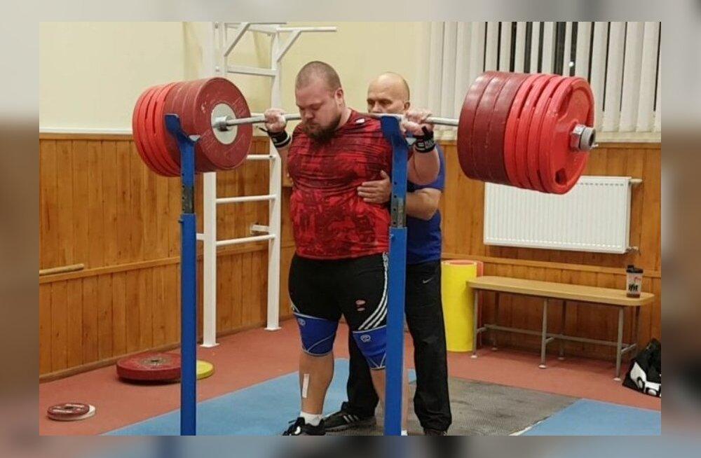 Mart Seim ning 375 kg kaaluv kang.