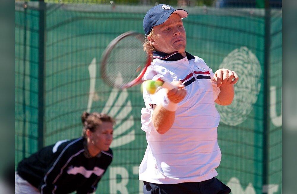 Zopp kaotas Australian Openil kõva lahingu järel Pospisile
