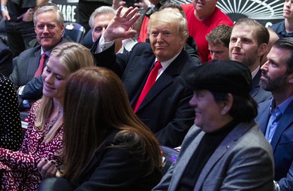 Дональд Трамп на матче UFC