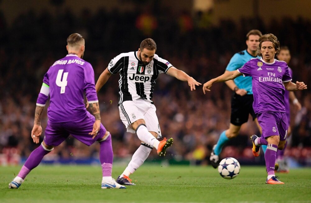 Gonzalo Higuain (keskel) ei suutnud mulluses finaalis Reali vastu endast ülemäära suurt märki maha jätta.