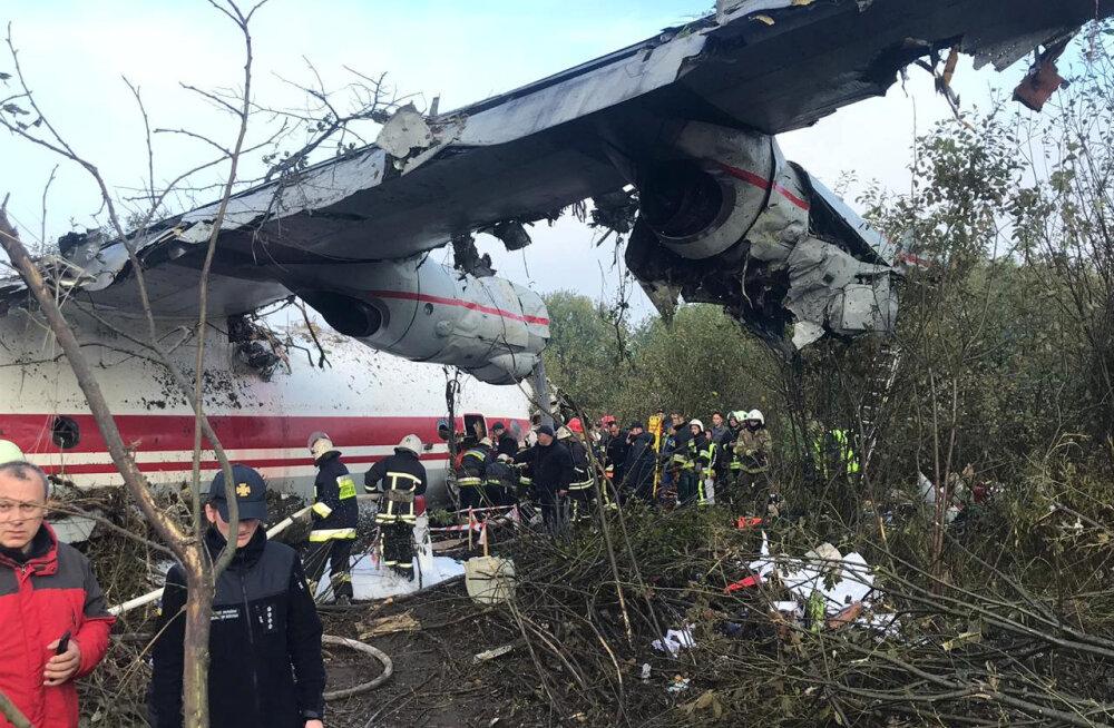 Ukrainas Lvivi lähedal kukkus alla transpordilennuk, hukkus viis inimest