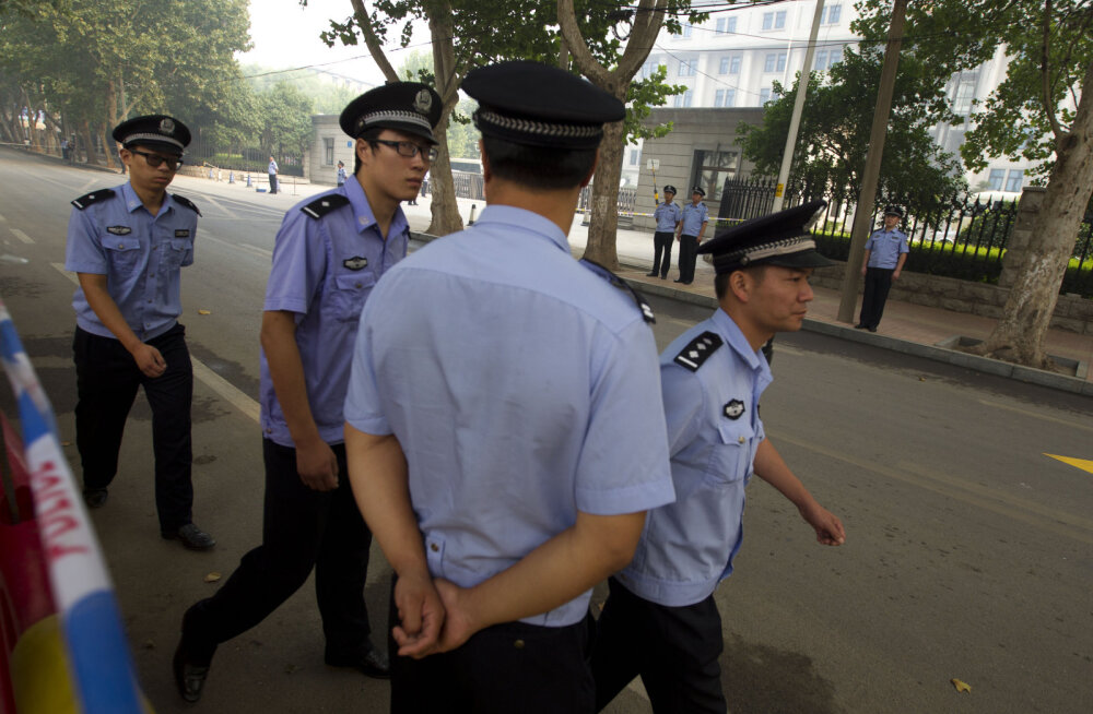 Hiinas tappis mees esimesel koolipäeval kaheksa last