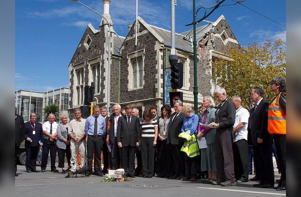 Uus-Meremaa tardus vaikuses maavärinaohvrite mälestuseks