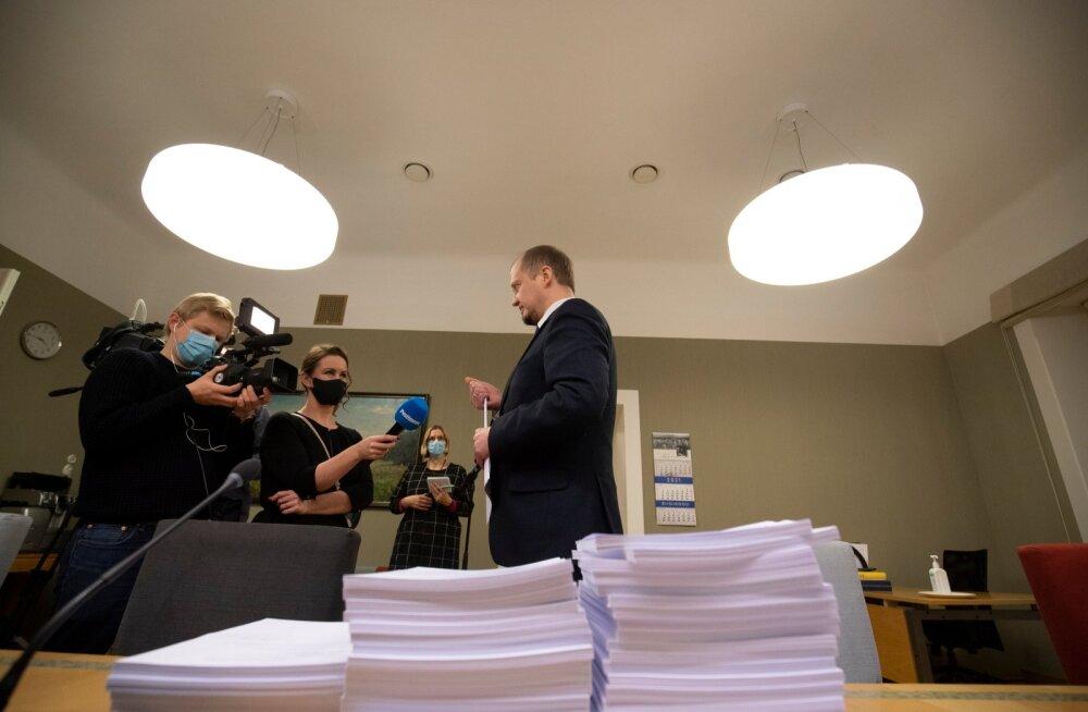 Opositsioon andis õiguskomisjonile üle muudatusettepanekud