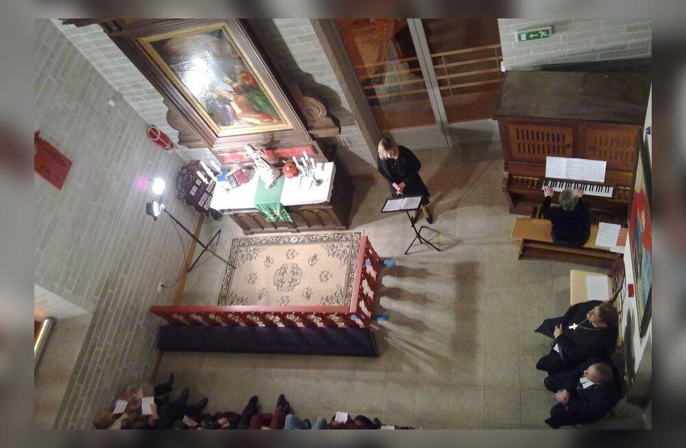 ФОТО читателя Delfi: В башне Нарвского Александровского собора прошел оперный вечер