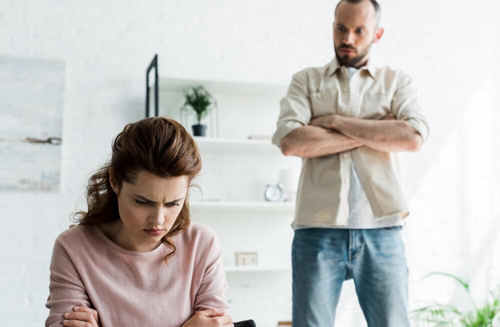 Esimene samm emotsionaalse vägivalla suhtes immuunsuse saavutamise suunas on lõpetada partneri kõigi sõnade tõesusesse uskumine