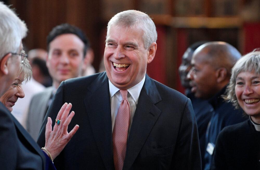Briti meedia: Jeffrey Epsteinile seksorje värvanud naine käis prints Andrew'l korduvalt Buckinghami palees külas