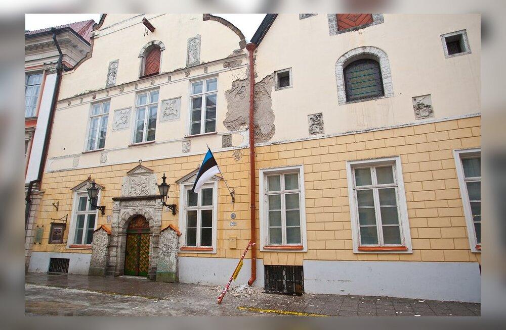 Таллинн: Дом Черноголовых нужен жителям города