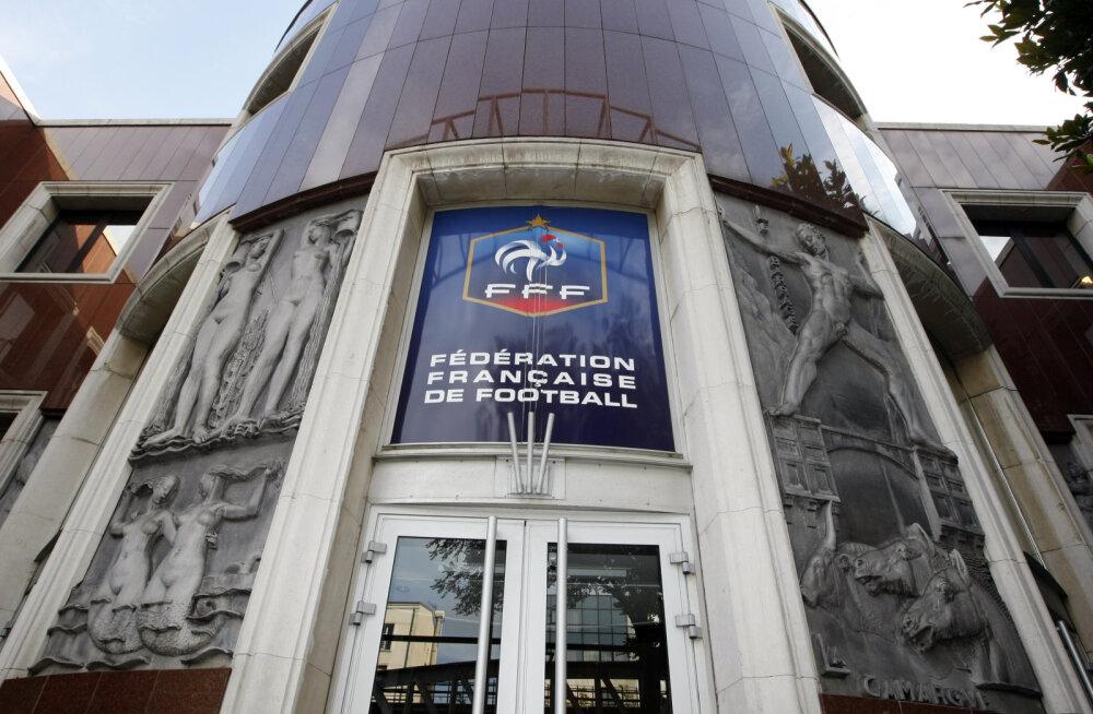 Prantsuse jalgpalliliidu kontor otsiti seoses Blatteri uurimisega läbi