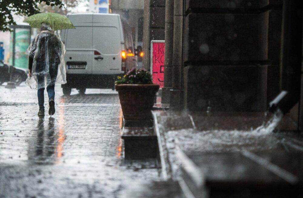 TORMINE ILM   Ööseks lubatakse vihma, äikest ja tugevaid tuulehooge